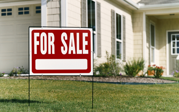 For Sale Sign we buy houses