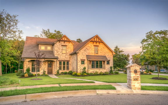What is Curb Appeal? 10 Budget Curb Appeal Ideas That Will Sell Your House Fast